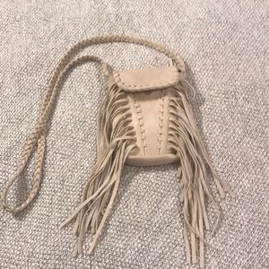 Handbags - EUC- Crossbody fringe /Cream
